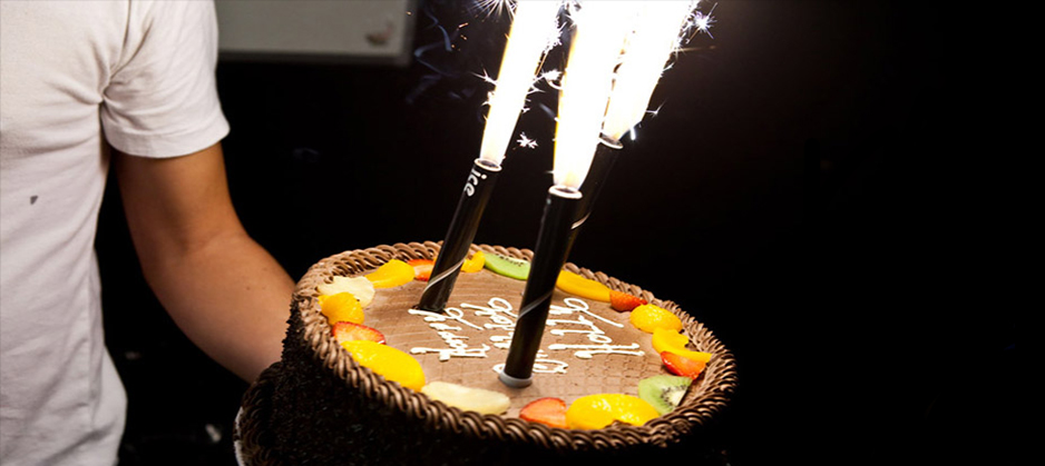 ice_fountains_birthday_cake_decorations_sparkler_candle5
